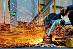 processo de fundição em fábrica de metalurgia